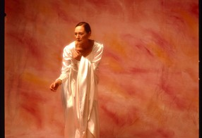 woman in white 1999